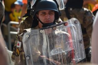 Riot police Vs Costa Rica